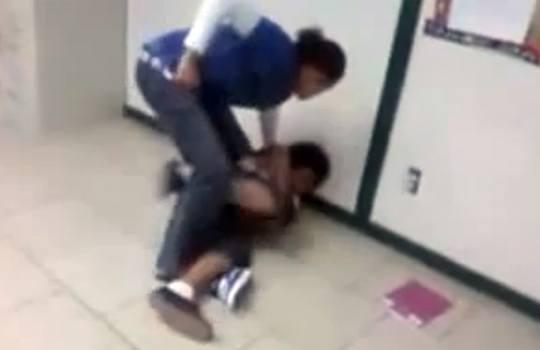 【閲覧注意】えげつない暴力教師のスパーリング映像w
