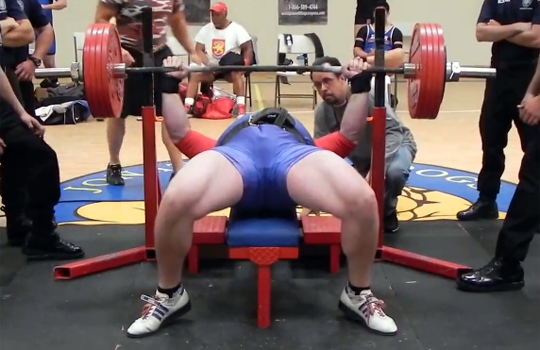 【衝撃映像:スポーツ】バーベル上げ!手を滑らせてくそ重いバーベルが・・・