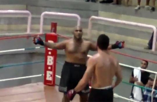 【衝撃映像:スポーツ】ボクシングで効かないアピール→一発KOされるwww