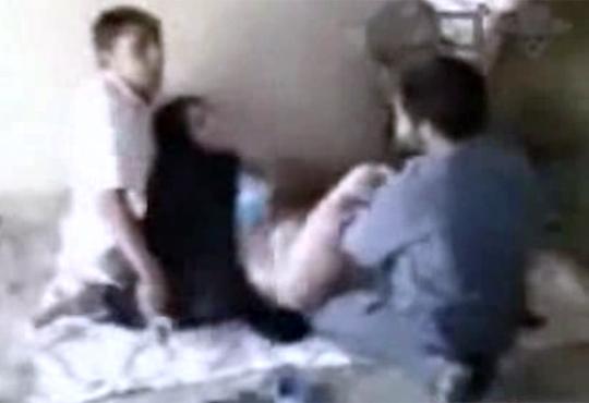 【衝撃映像】これがガチロリw生後6ヶ月で成長が止まった32歳女性