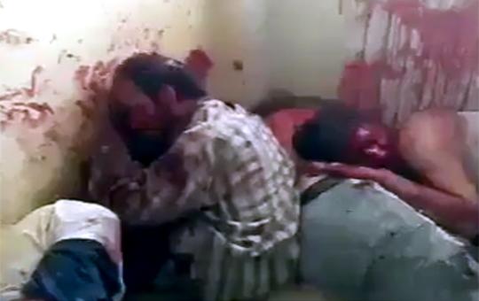 【閲覧注意】シリア政府が反乱軍管理区域内の市民を殺していく…