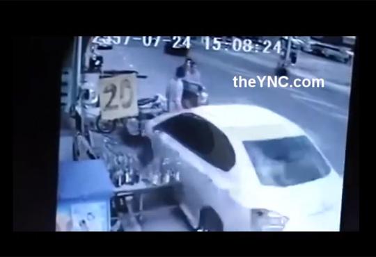 【衝撃映像】こんなピンポイントな轢き逃げ見たことない!!!