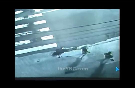 【殺人映像】女性が追いかけられ刺し殺されるまでの一部始終