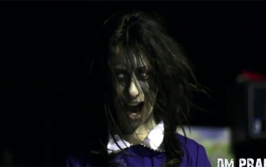 【ドッキリ】もしも夜道で白目剥いた少女が発狂しながら追いかけてきたら・・・