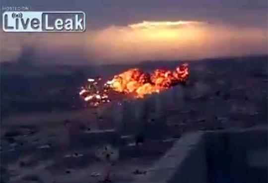 【ショッキング】リビア戦闘機が墜落する一部始終を捉えた映像
