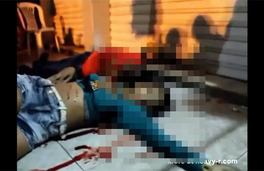 【殺人映像】街中で撃ち殺され二人仲良く死体になったカップル・・・