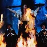 【閲覧注意】アフリカで罪を犯した少年が火炙りの刑で焼け死ぬまで・・・ 動画有り