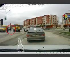 【事故映像】ババァの信号無視多すぎ!と思ってる方へ 動画有り
