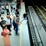 【自殺】電車に飛び込む人の勇気と根性は異常・・・ ※閲覧注意