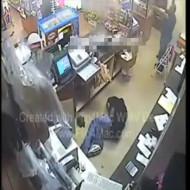 【強盗殺人】銃を持って強盗に→店員がチートすぎて全員死亡