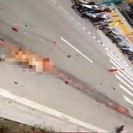 【グロ注意】トラックに引き摺られた後の女性がコレ・・・ ※超閲覧注意