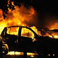 【閲覧注意】燃えた車の中から出てきたのは真っ黒になった・・・