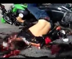 【グロ動画】地面に叩き付けられた美女が真っ赤に染まる・・・ ※閲覧注意