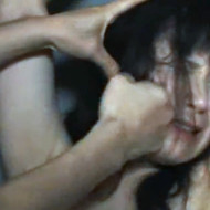 【SM】ドSの調教ヤバすぎw泣いてる女の顔を殴って黙らす鬼畜プレイ