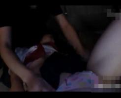 【拉致強姦動画】お嬢様学校に通うJKが帰りに拉致られ・・山奥で悲惨な事になってる・・・