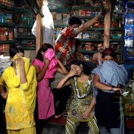 【閲覧注意】バングラデッシュの風俗行ったら13歳の少女が・・・