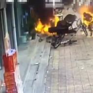 【安定の中国】なぜか荷物が爆発炎上w2人が火達磨に・・・