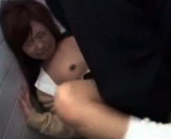 【閲覧注意】泣きながら抵抗する女子高生のガチレイプ映像がヤバい・・・