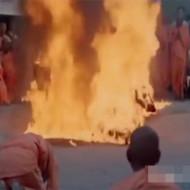 【グロ注意】最近の修行トレンド!ガソリンを掛けて火を付ける修行が熱い!!