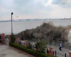 【衝撃映像】中国で津波がおきたらこうなる・・・ 動画有り