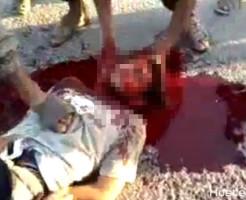 【殺人動画】ISISの拷問殺人・・・まず耳を切ってからの首切り・・・