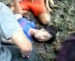 【閲覧注意】溺死した少女を蘇生させようとするキチガイ・・・