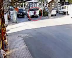【グロ注意】ババアを轢き殺してそのまま通常運転するバス・・・