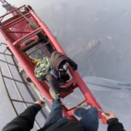 【衝撃映像】上海タワー(650m)に命綱無しで登ってみたwww