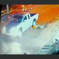 【グロ注意】一回車で轢いてからトドメの頭二回轢き殺し・・・ ※動画有り