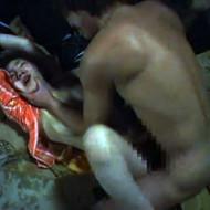 【ガチ強姦動画】DQNレイプ集団に攫われ廃墟で犯される号泣顔面崩壊娘