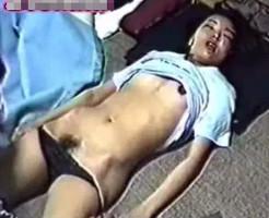 【無修正レイプ動画】友達カップルを泥酔させ昏睡状態の彼女を生ハメレイプする個人撮影が流出