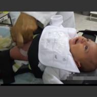 【エログロ】赤ちゃんの時これやってたら巨根確定ってマジかよ・・・ 動画有り