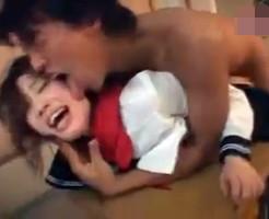 【ロリレイプ動画】泣き叫ぶ女子校生を緊縛監禁して力づくで集団中出しレイプ・・・