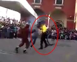 【事故】サーカスの演技と思ったらガチで燃えてた件w ※動画あり