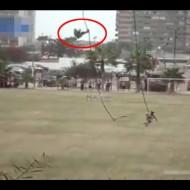 【衝撃】ヘリ降下訓練中の新兵が落下して大怪我する瞬間 これは背骨粉砕しとる・・・