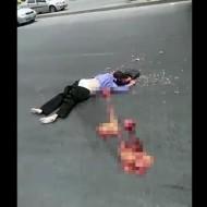 【グロ動画】轢かれた女性のお腹から飛び出してきたもの・・・