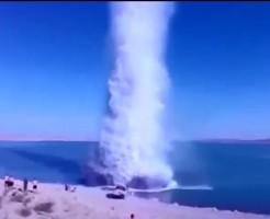 【爆弾】数百ポンドの爆薬を水中爆破したらとんでもない事になったwww