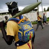 【衝撃画像】アフリカで戦争起こってるけどゲリラ兵の服が可愛いすぎる件www