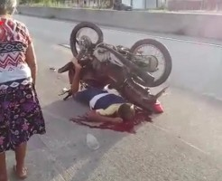 【変死】自分のバイクに寝技決められてギブアップしたけどそのまま死んだ・・・ ※画像