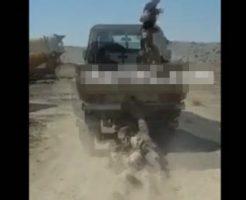 【イスラム国】ISISメンバー捕まえたから裸にして車で引きずってあげたw おや、この車は我が日本国の・・・ ※閲覧注意