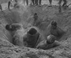 【閲覧注意】弾薬使わず、手も汚さず、簡単に殺害して処理もできるのが生き埋め・・・