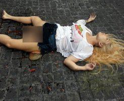 【閲覧注意】股から何か出てる…。とある女性の死体が話題に・・・
