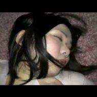 【レイプ 個人撮影】ヤリサー?酔いつぶれた女の子を犯す男の個人記録 ※無修正エロ動画
