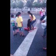 【閲覧注意】娘の前で服毒して橋から飛び降りるキチガイな親と、泣き叫ぶ子供の声が響く現場・・・ ※動画