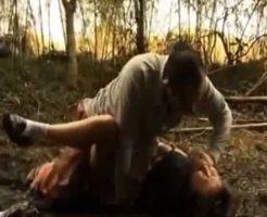 【JK レイプ】学校帰りに連れ去られた女子校生が山奥で種付けされとる・・・ ※動画