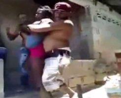 【閲覧注意】女同士の喧嘩でマチェット装備したらヒートアップして死人出そう助けて! ※動画