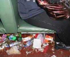 【衝撃映像】ゴミ屋敷かよwwwサウジアラビア航空の旅客民度低すぎて一緒に搭乗したら発狂するわこんなん