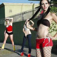 【エロ画像】ベネズエラで道端で誘惑してくる売春婦たちをご覧くださいw