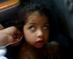 【閲覧注意】5歳の女の子に薬物を飲ませて壊れていく過程をご覧ください・・・