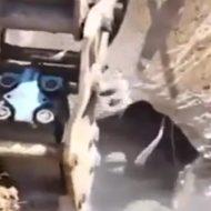 【衝撃映像】ちょwここなんかいますよw掘ってみましょう!出てきたものは、、、!
